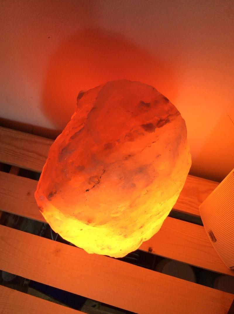 히말라야 암염 소금 램프- 소금 원석으로 만든 암연 램프